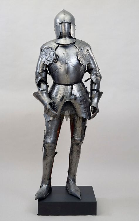 Italian suit of armour in the Walters Art Museum. Public domain.